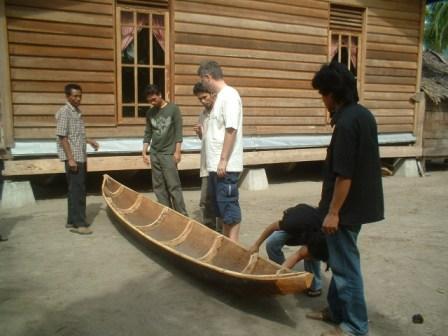 Stavba nových rybárskych člnov
