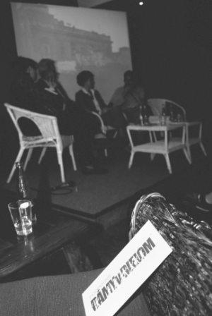 diskusia v Kafé Scherz