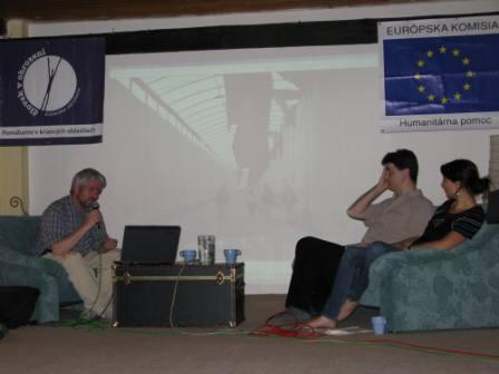 Hostia diskusie o Gaze, čajovňa Únik, Bratislava