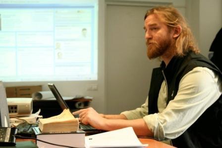 Tom Nicholson počas tréningu moldavských žurnalistov, Kišiňov, marec 2010