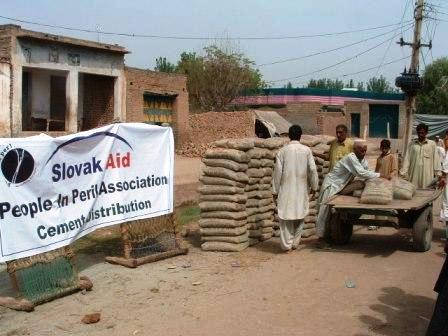 K. Ali Shah, september 2010, Pakistan: Distribúcia cementu