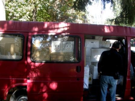 M. Sýkora, september 2010: Dodávka plná školských potrieb smeruje na Hornú Nitru