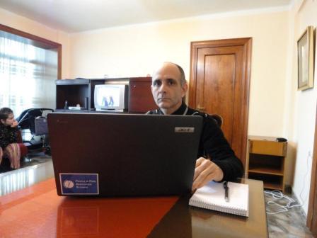 M. Horák, Španielsko, december 2010: Disident José Luis Paneque so svojím novým laptopom