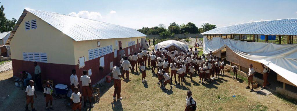 All_Hands_Volunteers_Haiti_Leogane_marec_2011_-_nova_skola