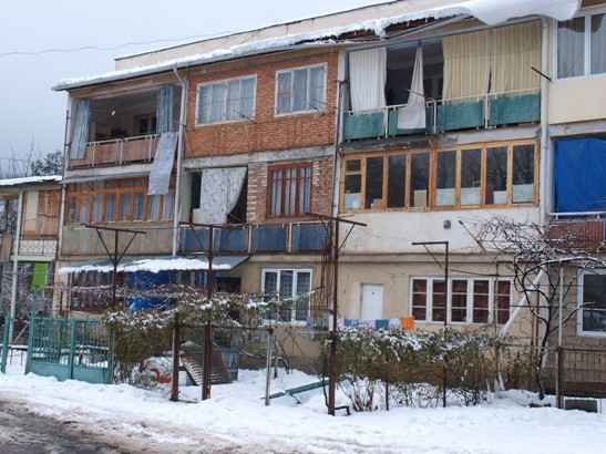 M.Radvakova, marec 2011, Gruzinsko - Byvanie vysidlencov z Abchazka v Tbilisi