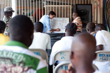All Hands Volunteers kolenia v rmci programu na podporu ivobytia