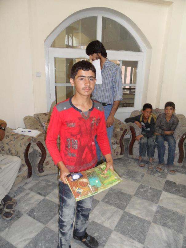 Afganistan-skola-distribucia-pomocok