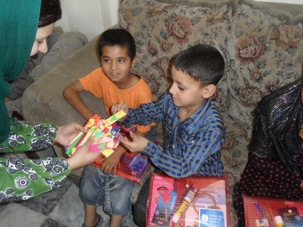 Afganistan-skola-distribucia-pomocok5