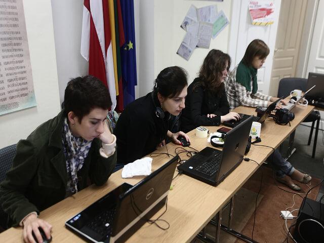 Bielorusko2012-novinari-skolenie